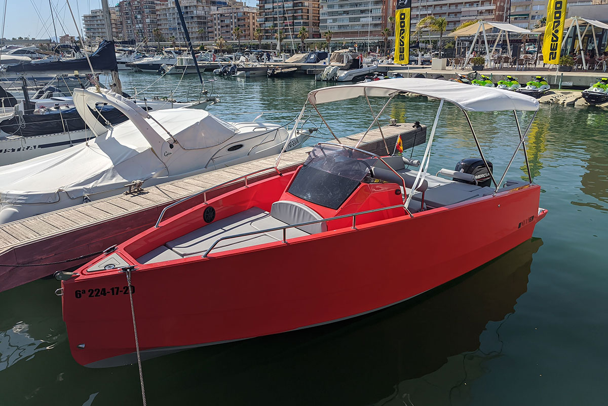 img-destacada-nuva-m6-open-iron-man-alquiler-barco